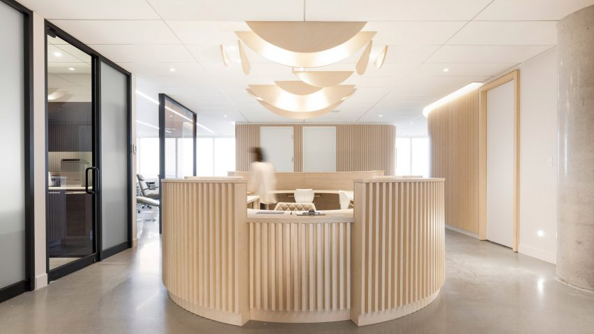 & Natasha Thorpe uses timber to soften mood at Quebec dental office
