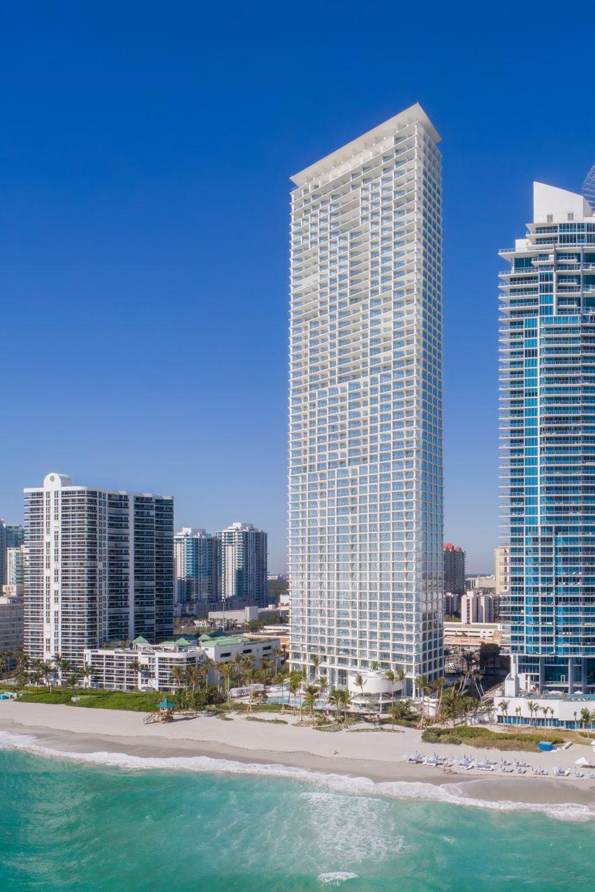 Herzog De Meuron Completes Jade Signature Skyscraper In Miami
