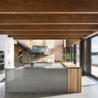 L'Accostee House by Bourgeois Lechasseur architects