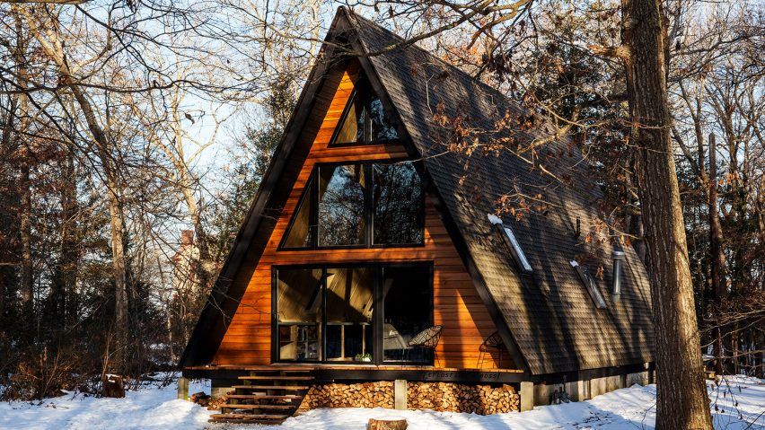 A Frame House Becomes Cosy Guest Lodge Outside Philadelphia