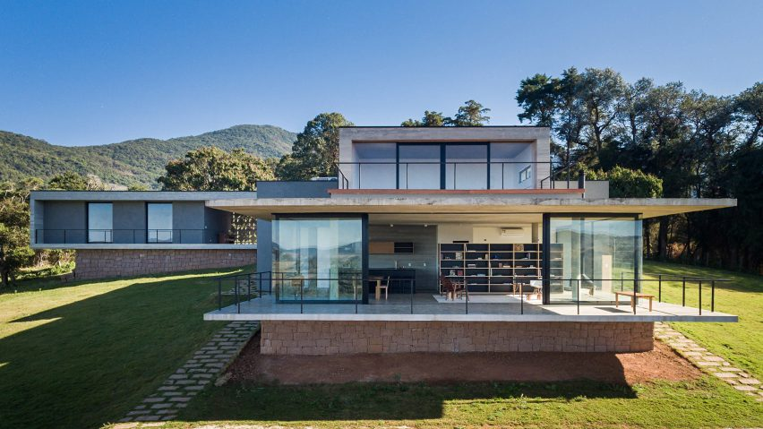 Concrete balcony extends from zilian house by Felipe Rodrigues on new technology house, new home house, new architecture house, new construction house,