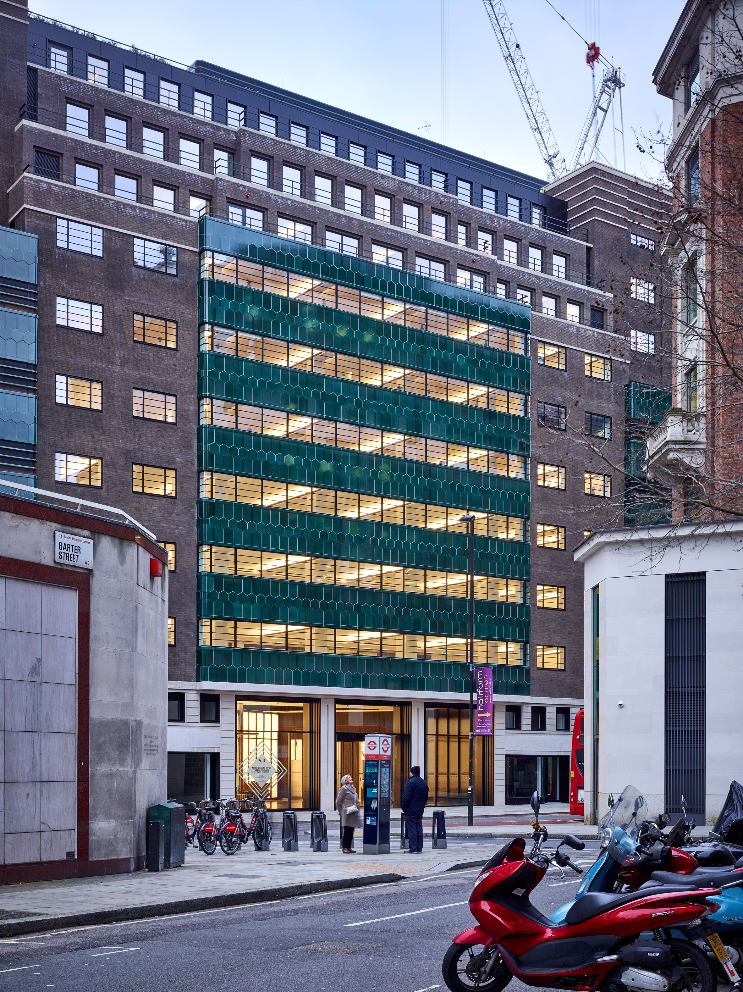 Orms renovates art-deco office in London to create new headquarters for COS