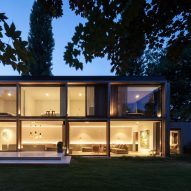 Steven Vandenborre creates light-filled extension for Ghent home