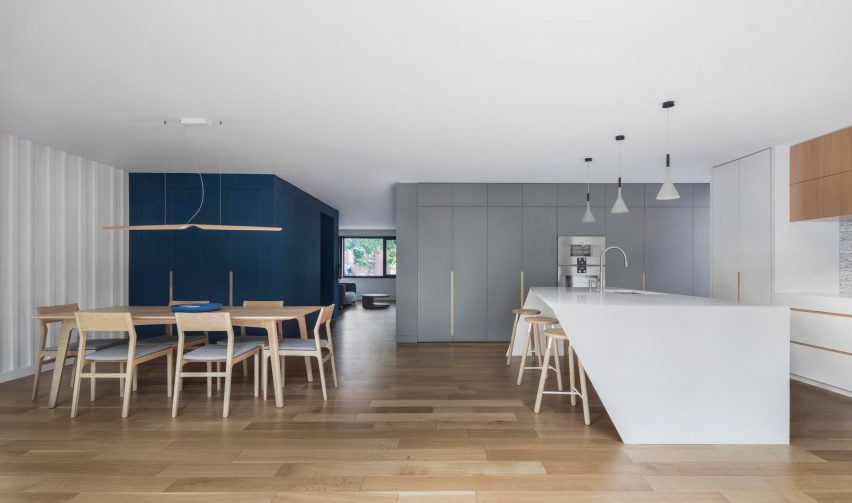 Courcelette Residence by Naturehumaine