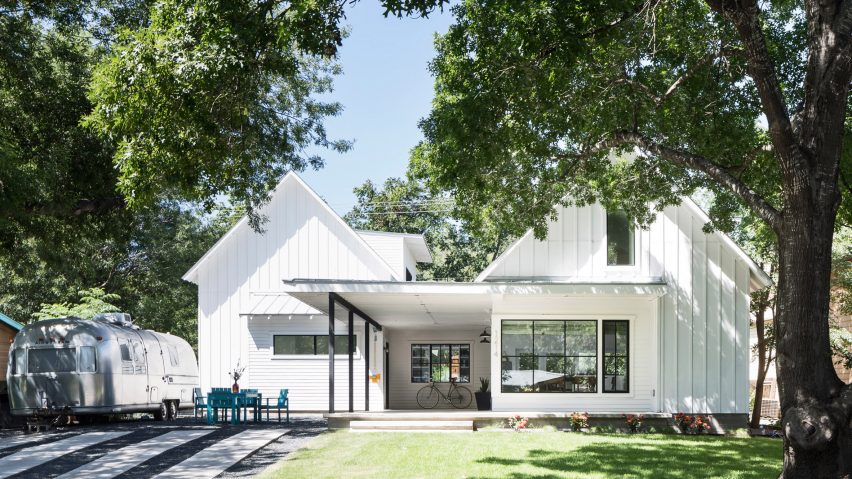 Austin residence by Arbib Hughey merges modern living with farmhouse aesthetic