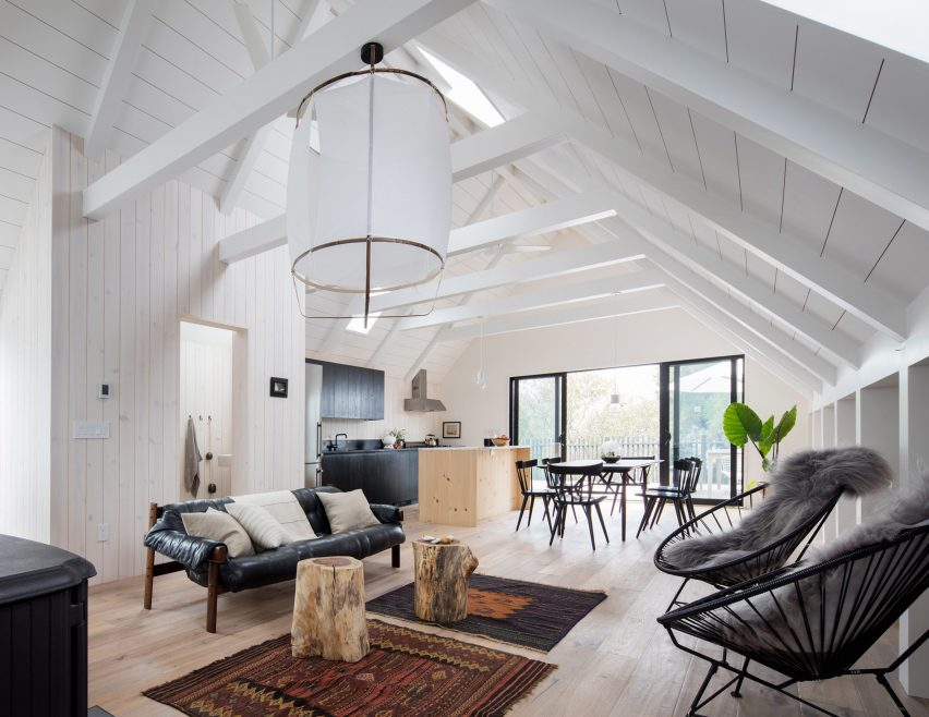 Surf House by T W Ryan Architecture