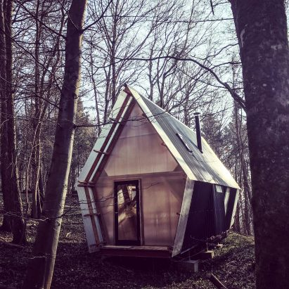 Low Cost Micro Home Is Made From Timber And Scavenged Materials