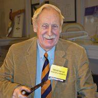 Wind-up radio inventor Trevor Baylis dies aged 80