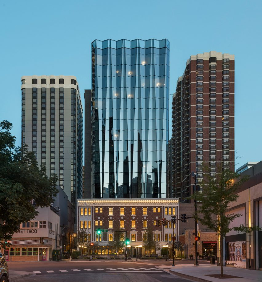 Viceroy Chicago by Goettsch Partners