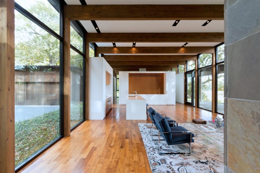 Woodland House by Altus Architecture & Design