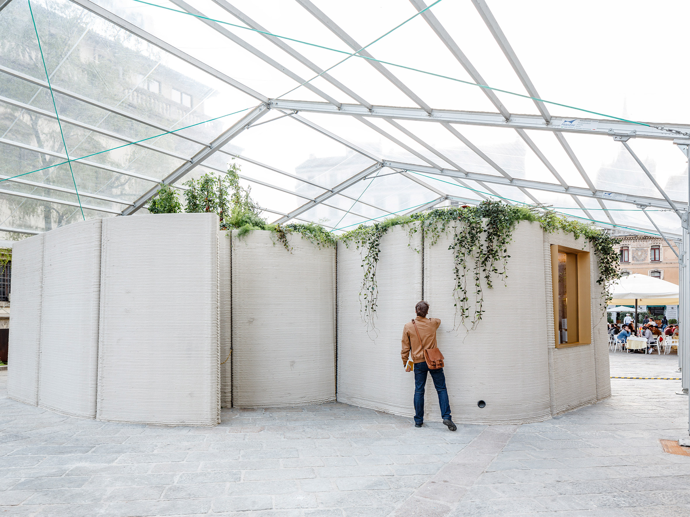 CLS Architetti and Arup use a portable robot to 3D print a house in Milan