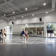 Ballet Memphis by Archimania