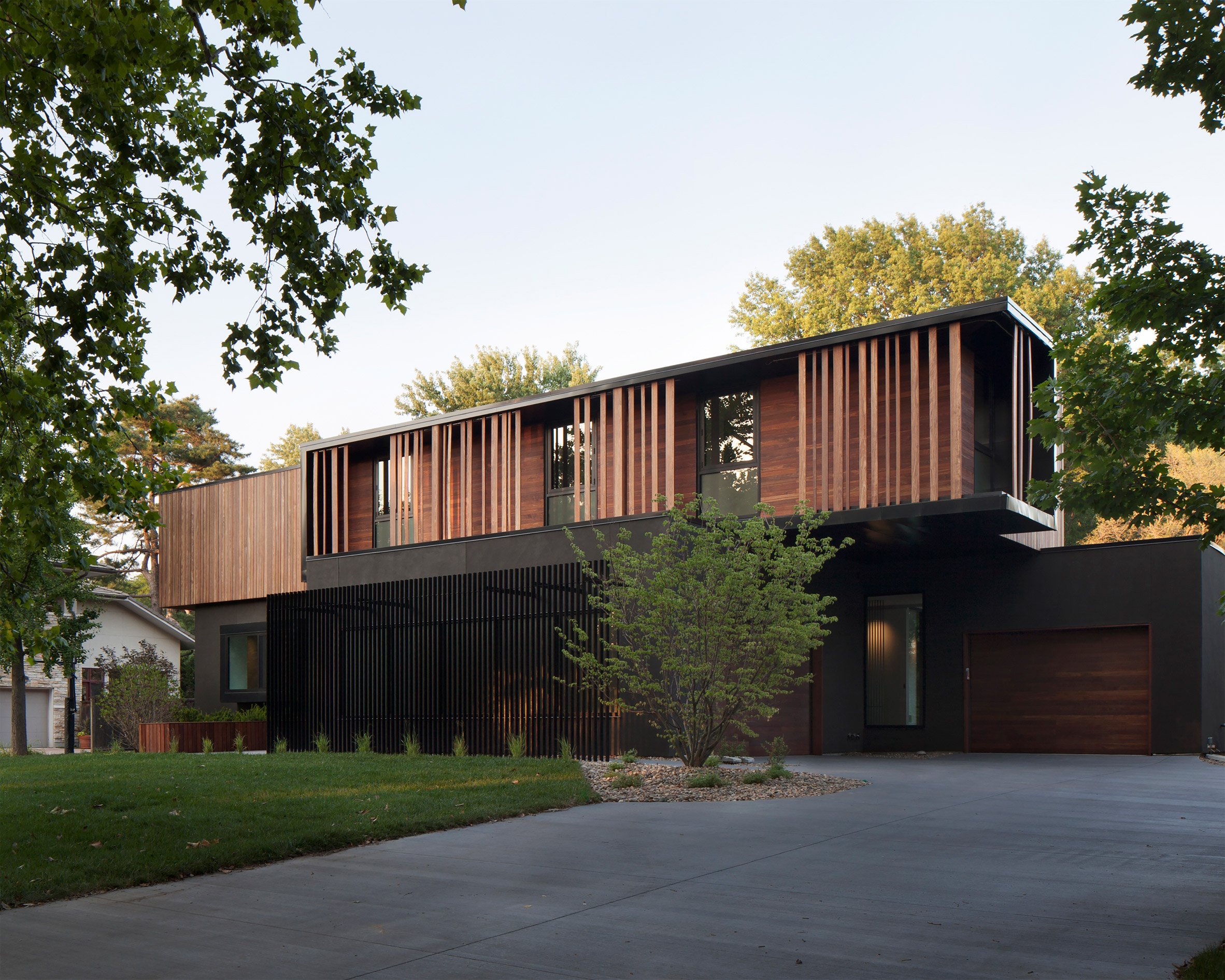 Hufft Architects' Kansas City residence is influenced by Marcel Breuer