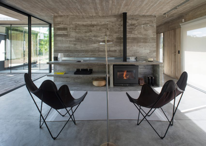 Equestrian House by Luciano Kruk Arquitectos