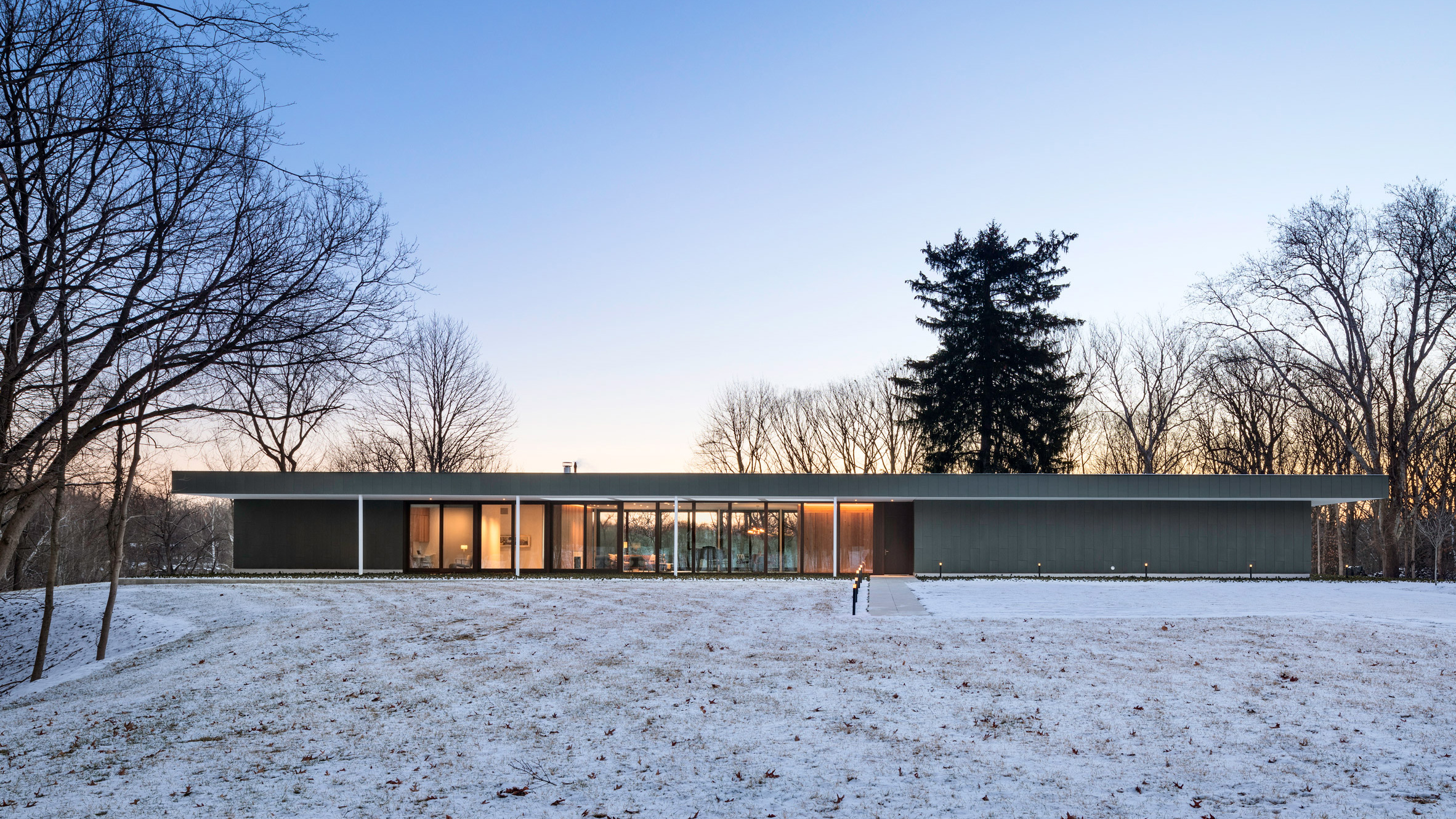 Deborah Berke channels modernism with long and low Indiana house