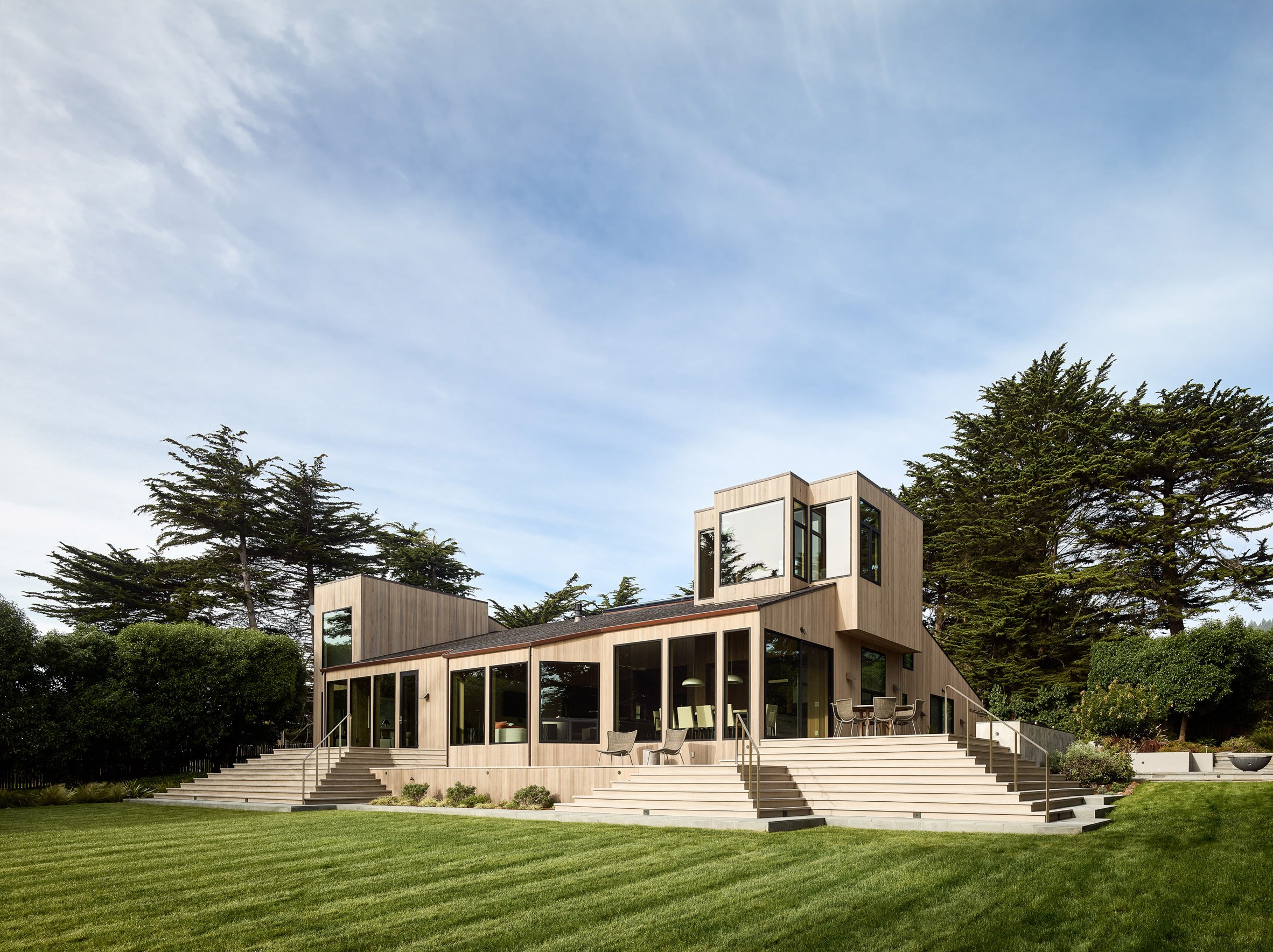Butler Armsden overhauls 1970s coastal home in northern California