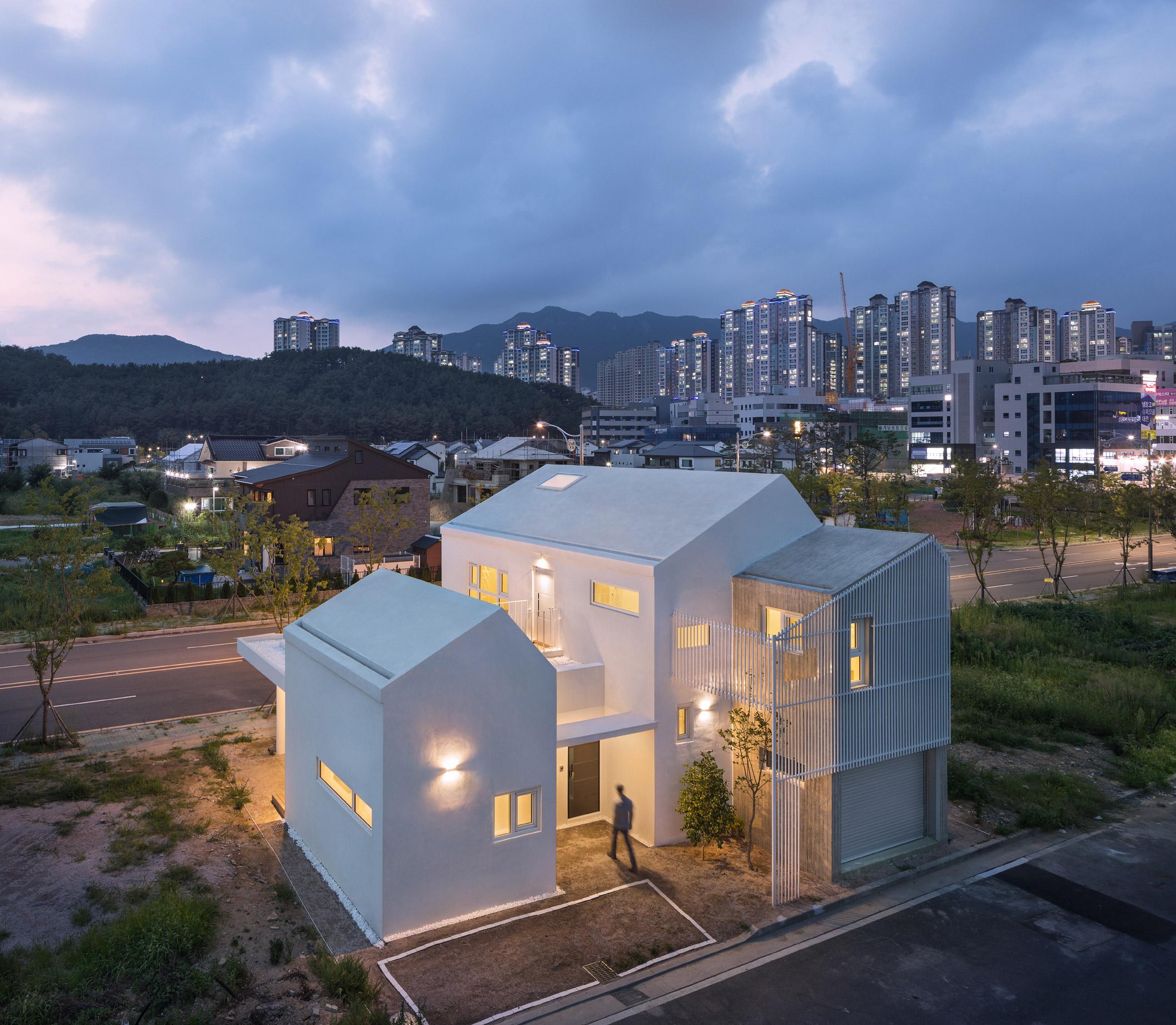 3novices house in yangsan combines crisp concrete and white rendered volumes 3noviceseurope. Black Bedroom Furniture Sets. Home Design Ideas