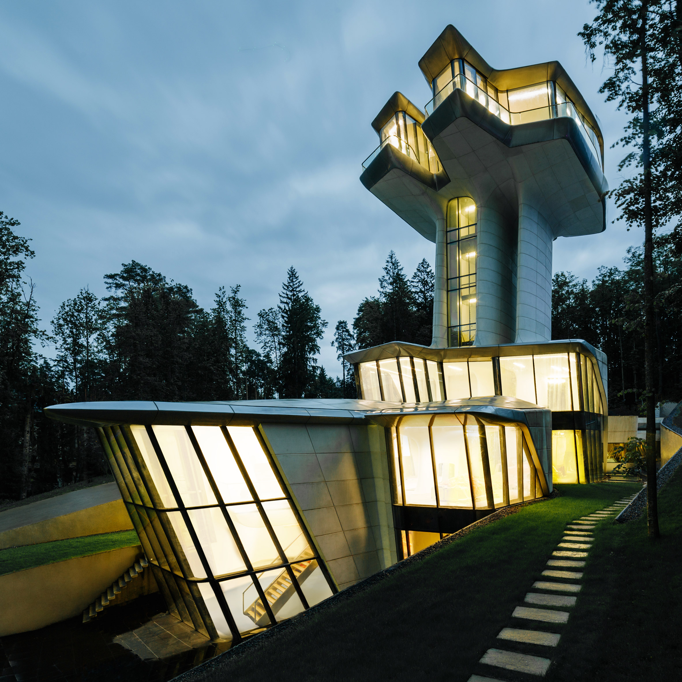 Zaha Hadid's only house finally completes in Russian forest