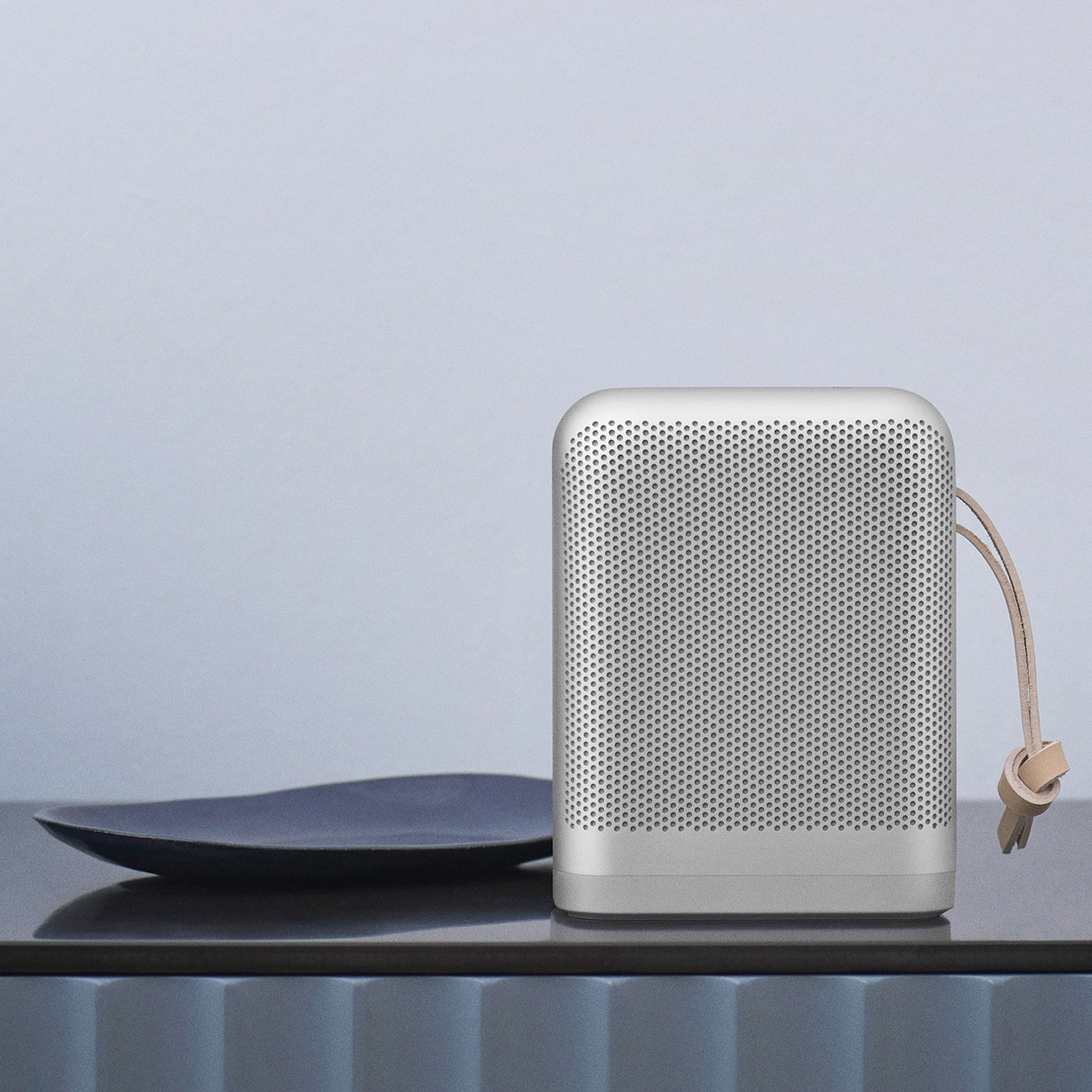 Bang /& Olufsen BeoSound 5 /& BeoMaster 5 1 To avec stand de table.