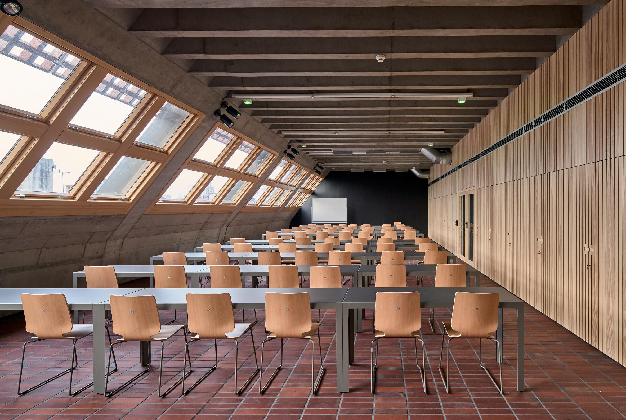 Department of Radio by Grupa 5 Architekci