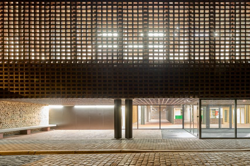 Department of Radio by Grupa 5 Architekci