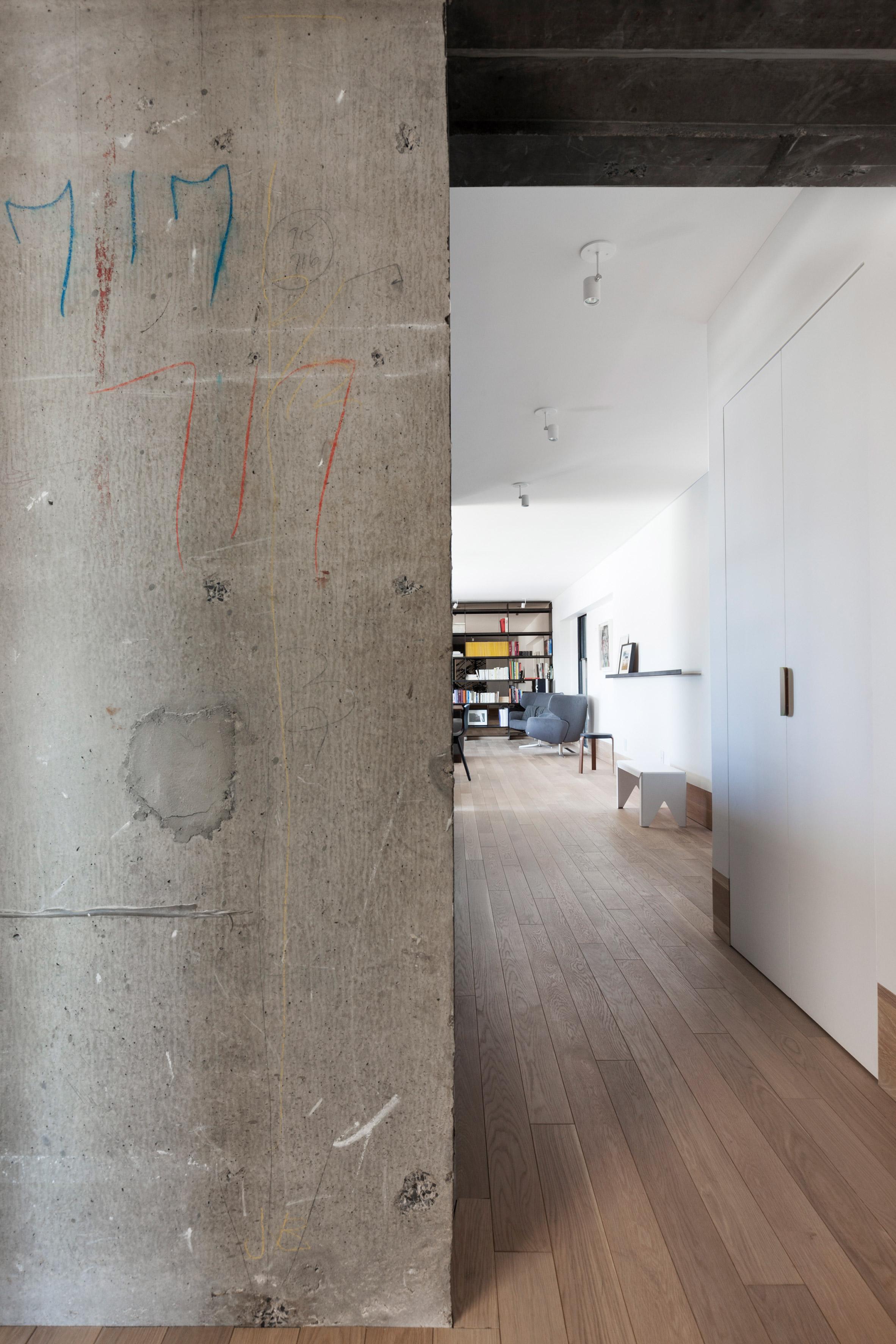 Apartment in Habitat 67 by Rainville Sangaré