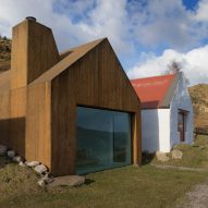 Urban Agency completes pigmented-concrete extension alongside Irish cottage