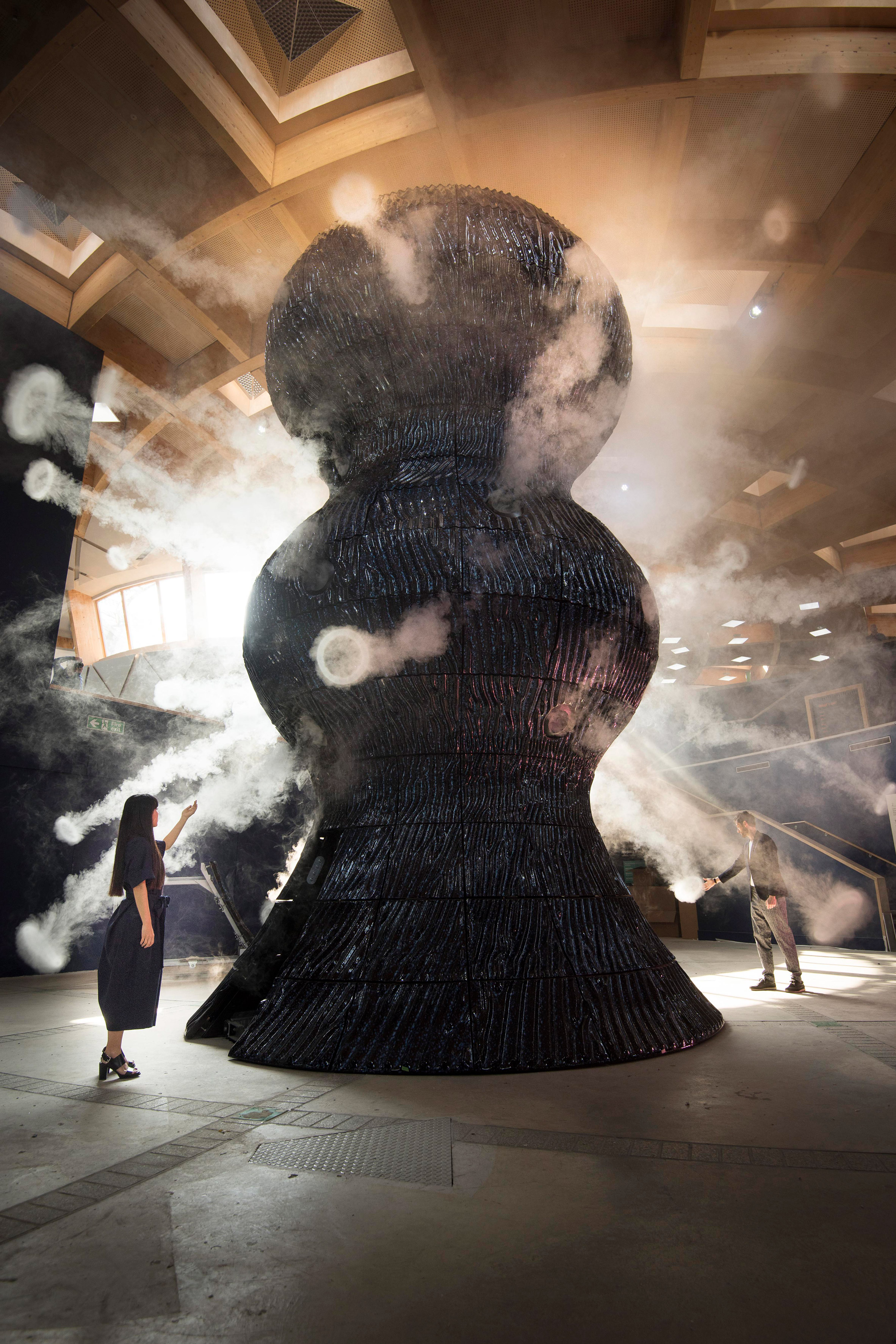 "Studio Swine unveils nine-metre-tall ""breathing"" sculpture at the Eden Project"
