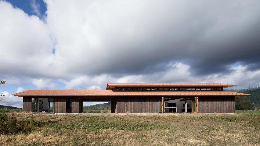 Trout Lake Residence by Olson Kundig opens onto Washington landscape