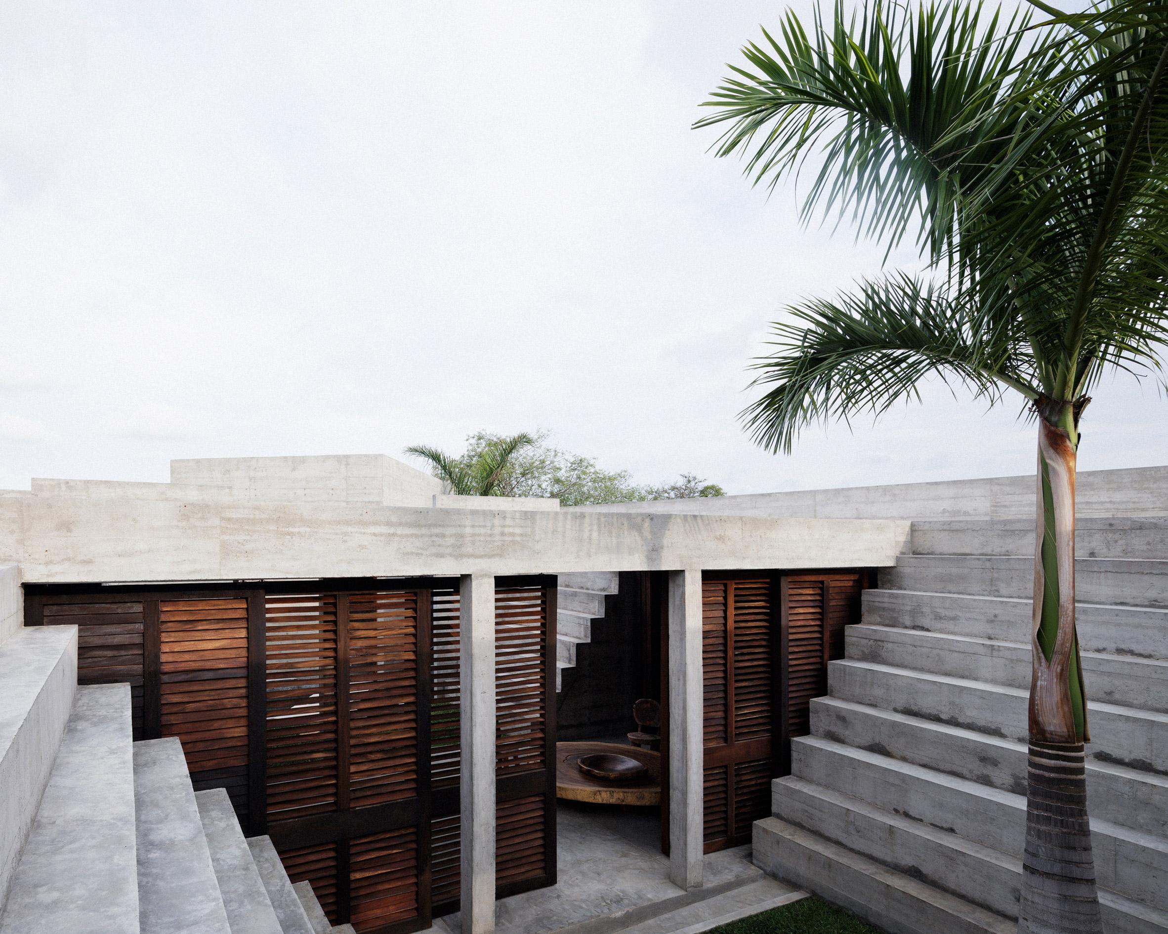ZIcatela House by Ludwig Godefroy