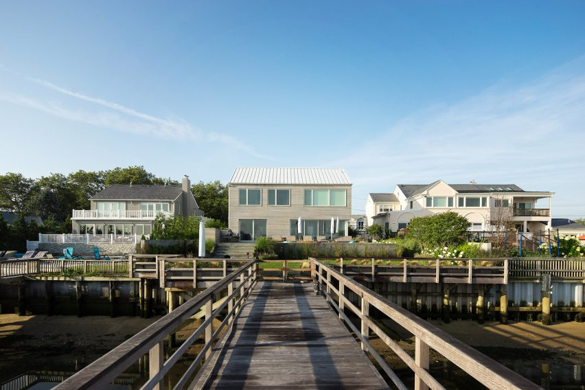 Atlantic Beach Residence by Bernheimer Architecture