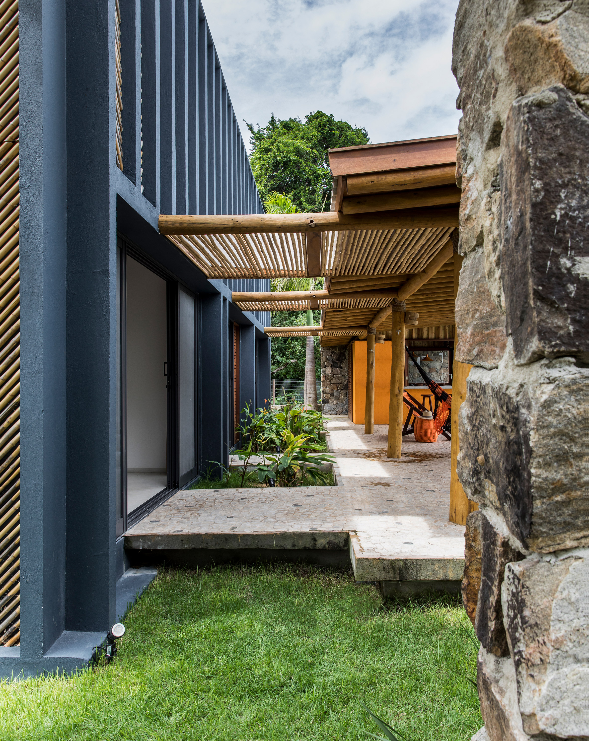 Bamboo House Design Ideas: Vilela Florez Designs Bamboo House With Herringbone