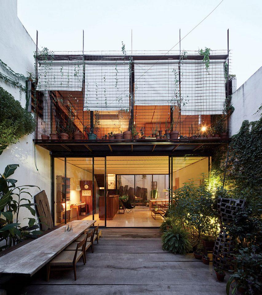 Casa Clara by Teresa Sarmiento and Nicolas Tovo