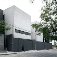 Three houses form greyscale Casas SP complex in Mexico by S-AR and Marisol González