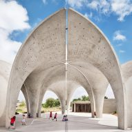 "Lake Flato and Matsys build pavilions with ""petals"" for San Antonio's Confluence Park"