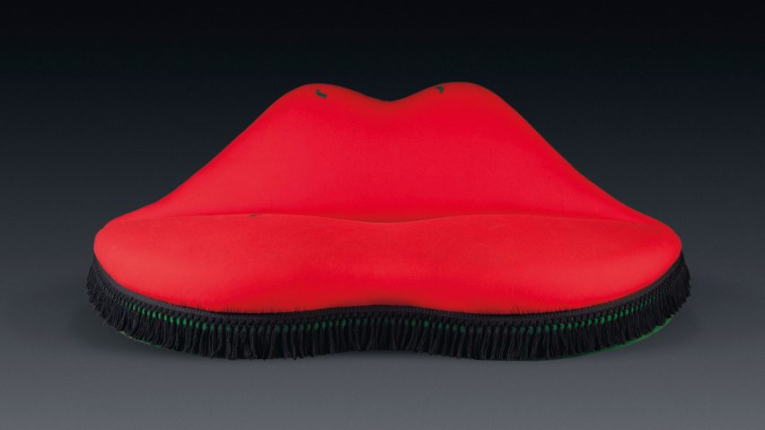 V&A acquires Mae West Lips sofa