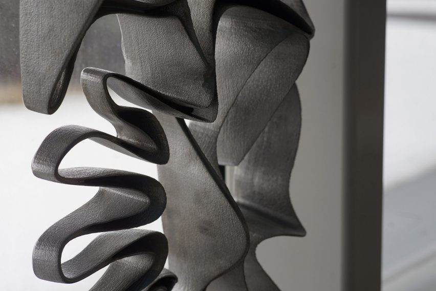 Intricate metal facade suggests new possibilities for 3D printing in architecture