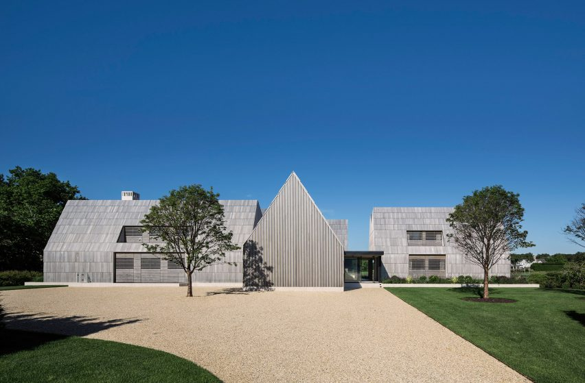 Home in the Hamptons clad in cedar shingles