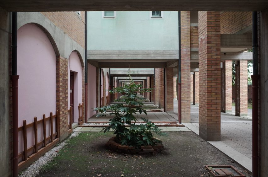 Unfolding Pavilion at Venice Architecture Biennale sees derelict 1980s flat transformed back into a family home