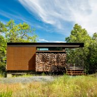High Horse Ranch by Kieran Timberlake overlooks forested valley in northern California