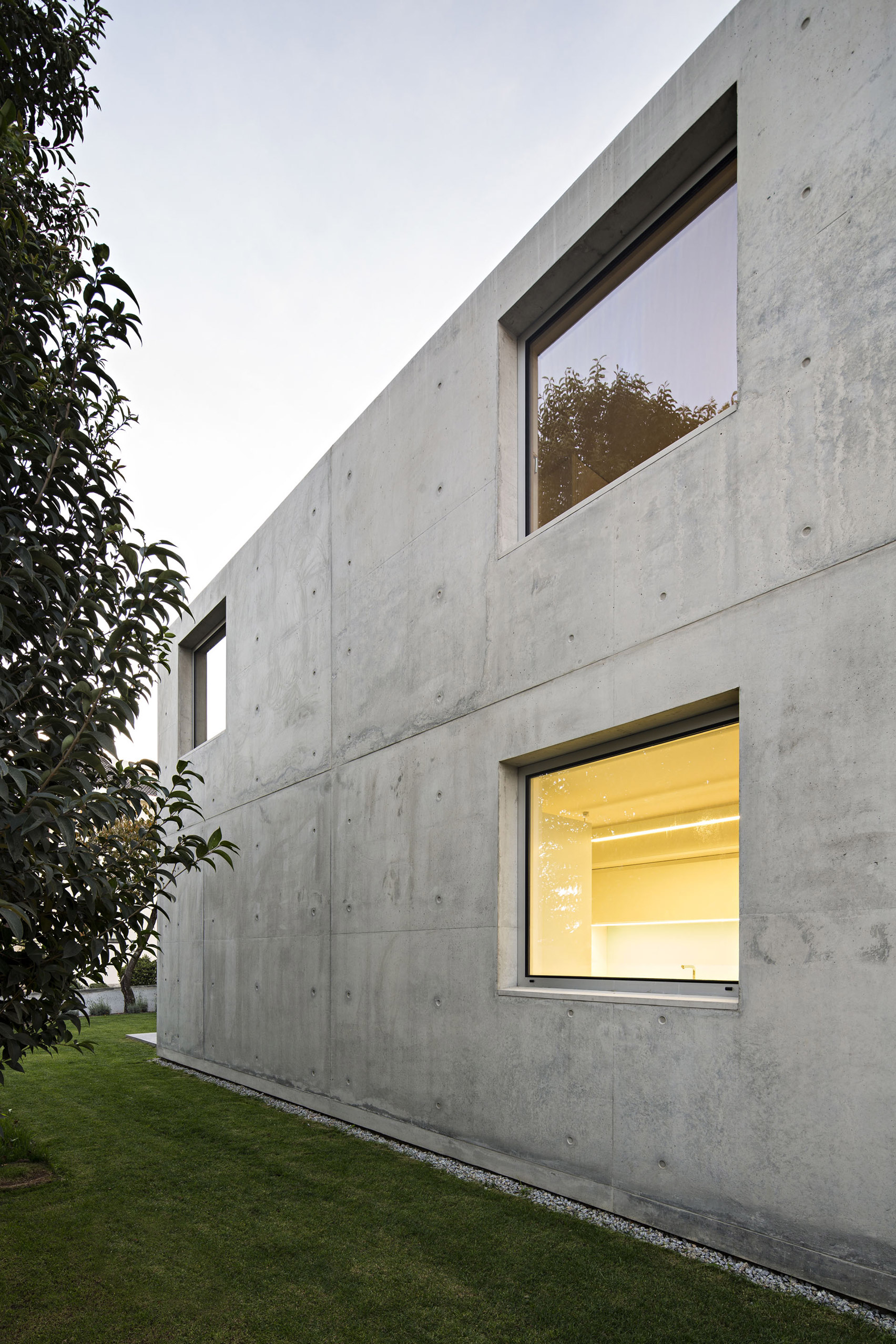 House in Serralves by João Vieira Campos