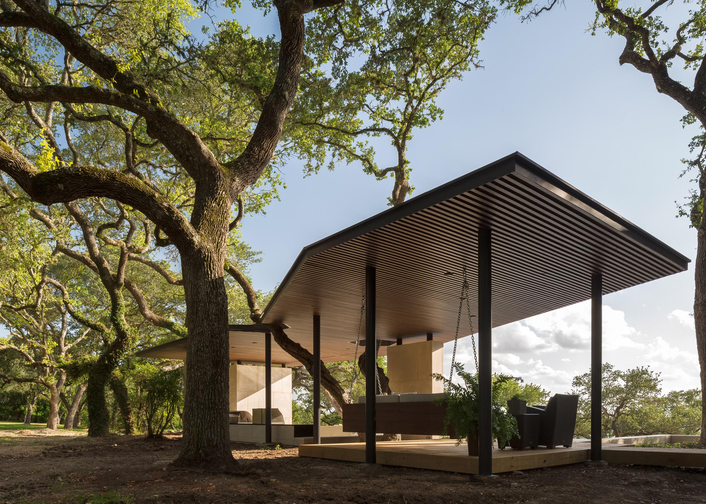 La Grange Pavilion by Murray Legge Architecture
