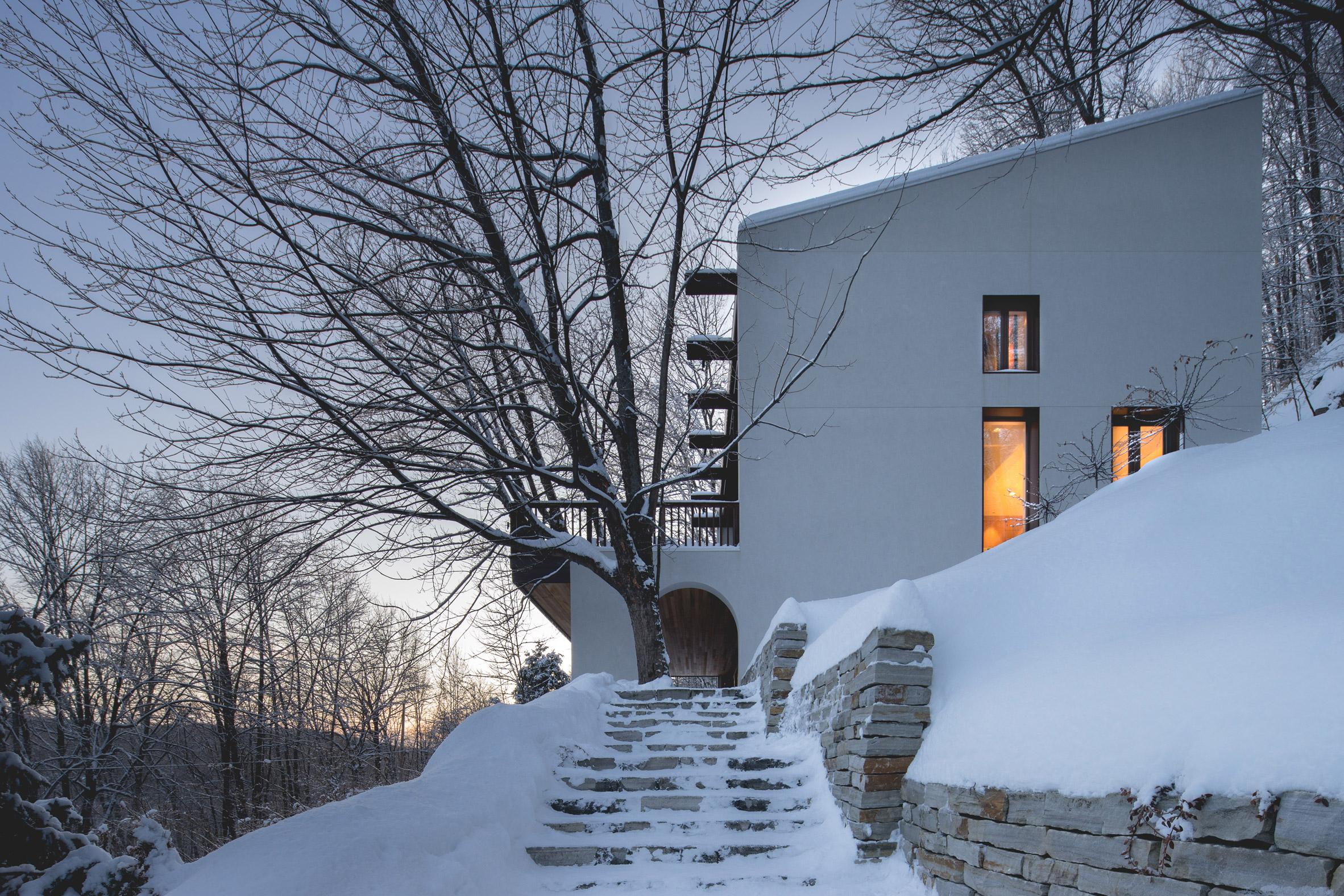 Residence Maribou by Alain Carle Architecte