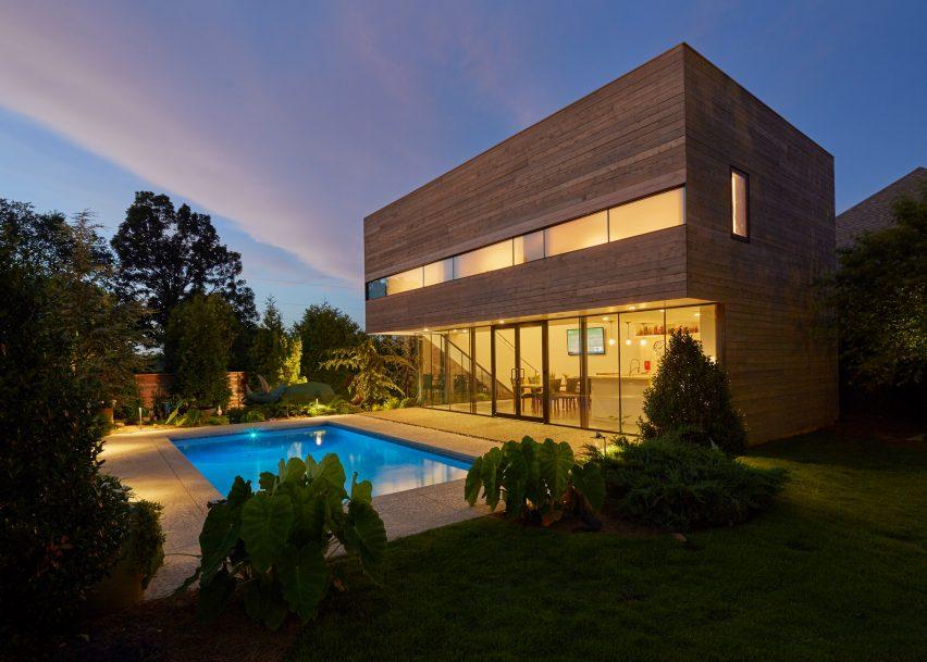 The Srygley Pool House by Marlon Blackwell