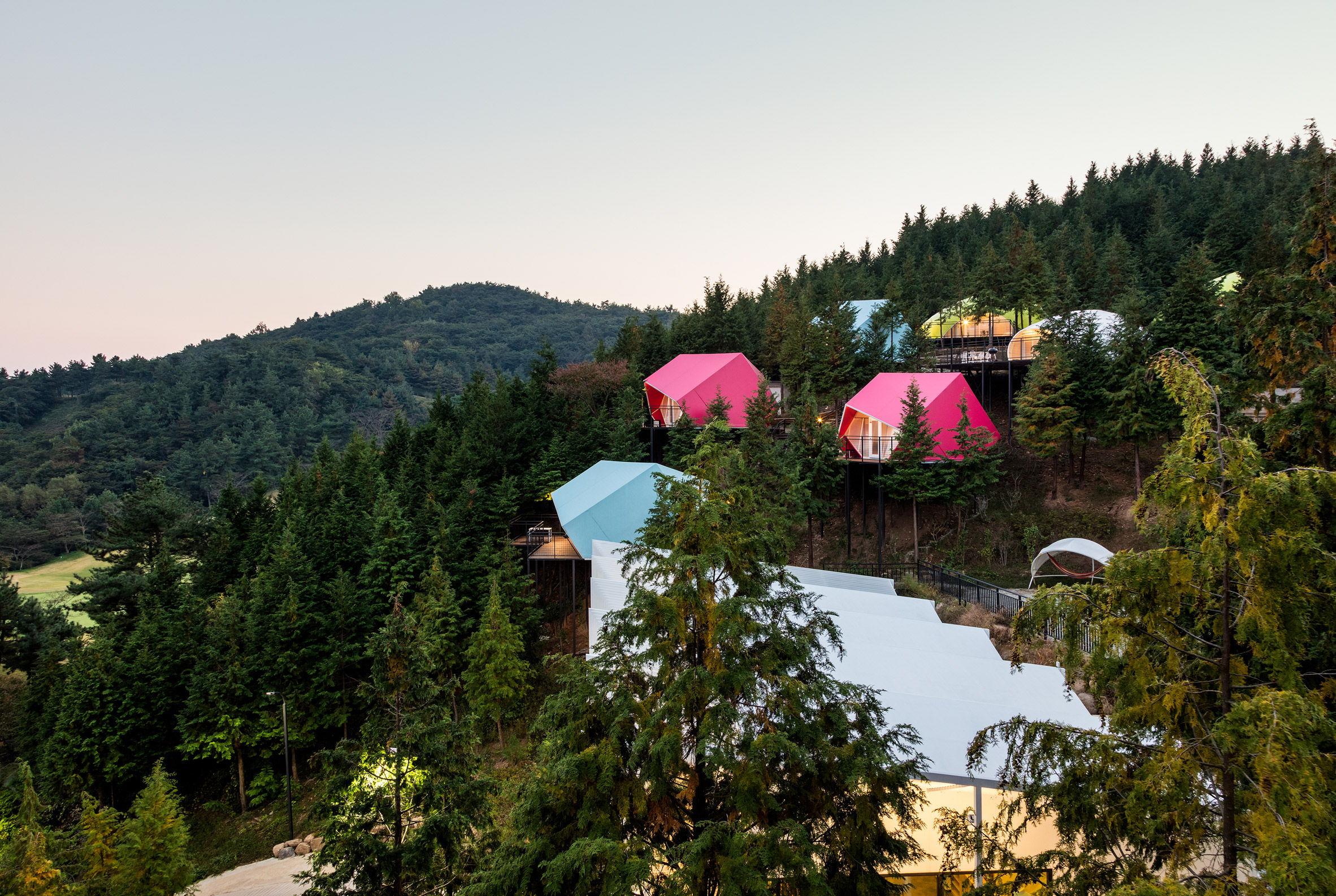"""South Korean glamping resort offers holidaymakers a touch of """"minimalist luxury"""""""