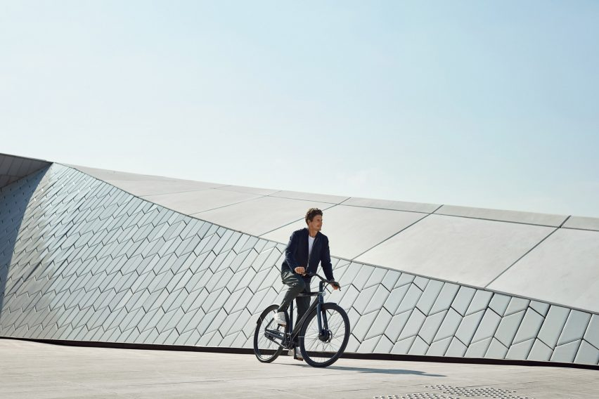 "VanMoof launches lock-free Electrified bike that can ""take care of itself"""