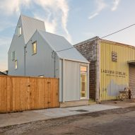 "OJT creates compact ""starter home"" for skinny site in New Orleans"