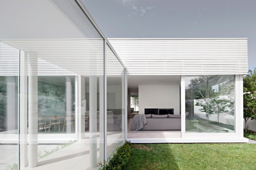 All-white house by Studio Four