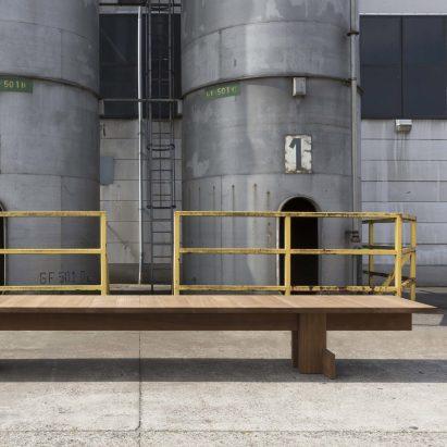 Heerenhuis presentará una mesa brutalista en Paris Design Week