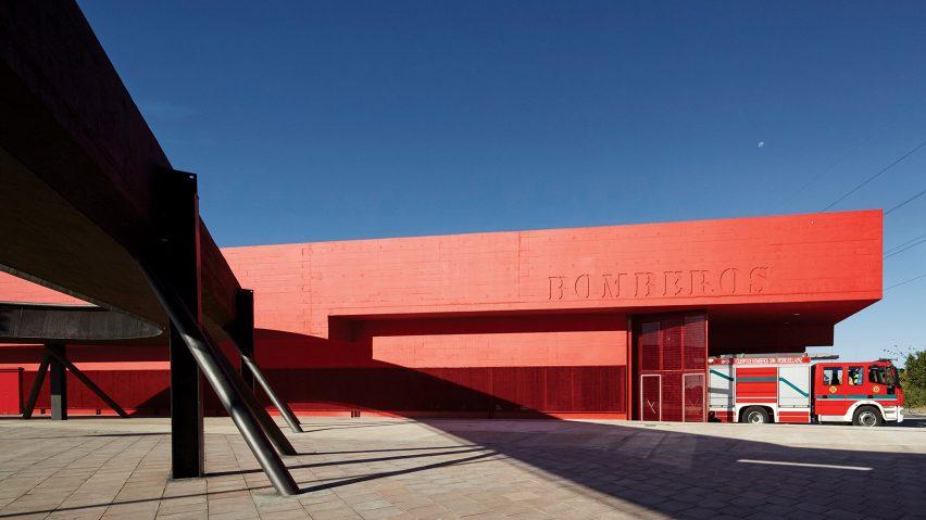 Centro Civico by Smiljan Radić